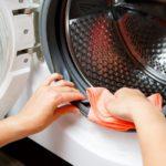Waschmaschinen-Türdichtung pflegen, reinigen und wechseln